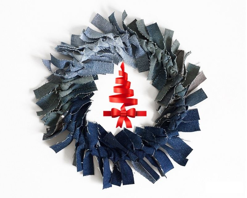 Ombré Christmas Wreath from Old Blue Jeans